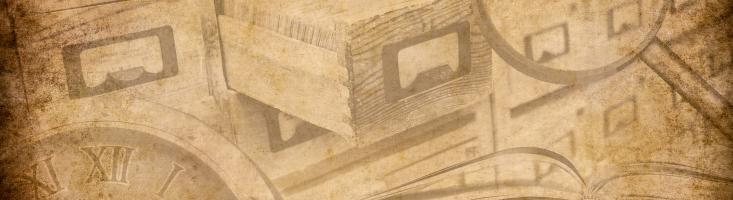 Collage in Sepia mit Katalogkästen, Büchern, Lupe und Uhr